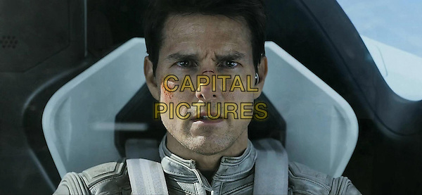 Tom Cruise.in Oblivion (2013) .*Filmstill - Editorial Use Only*.CAP/NFS .Supplied by Capital Pictures.
