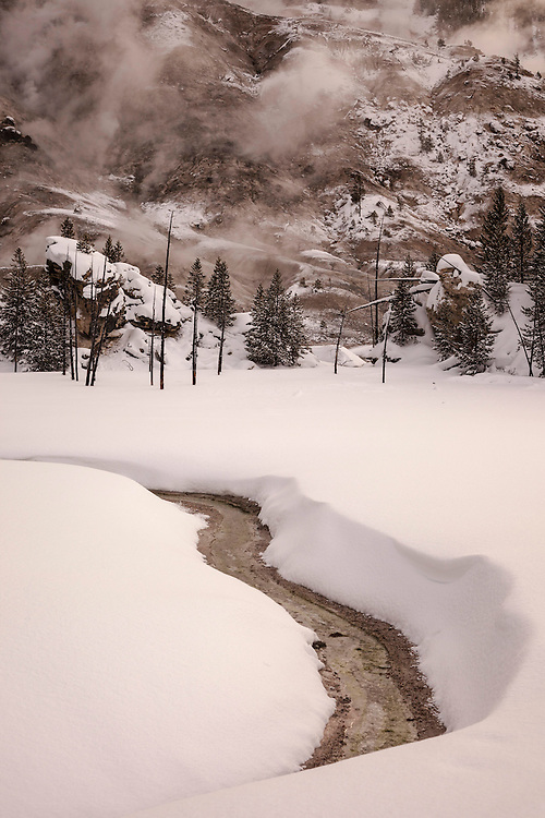Mantle of snow simplifies a complex landscape in Yellowstone NP