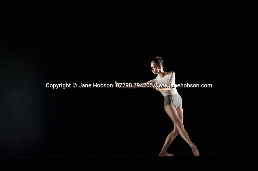 Edinburgh, UK. 27.08.2015. Ballett Zurich presents a double bill of KAIROS and SONNETT, at the Edinburgh Playhouse, as part of the Edinburgh International Festival. This piece is KAIROS, choreographed by Wayne McGregor. Photograph © Jane Hobson.