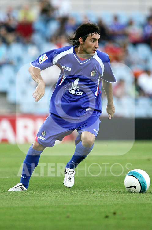 Getafe's Pablo Redondo during a friendly match between Getafe and Atletico de Madrid at Coliseum Alfonso Perez in Getafe, Saturday August 19 2006. (ALTERPHOTOS/Alvaro Hernandez).