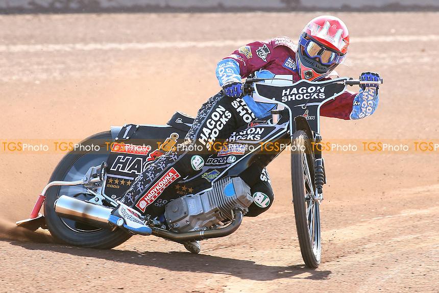 Lee Richardson of Lakeside Hammers in riding action -  Speedway Press & Practice Day at Arena Essex Raceway, Purfleet, Essex - 23/03/11 - MANDATORY CREDIT: Gavin Ellis/TGSPHOTO - Self billing applies where appropriate - Tel: 0845 094 6026