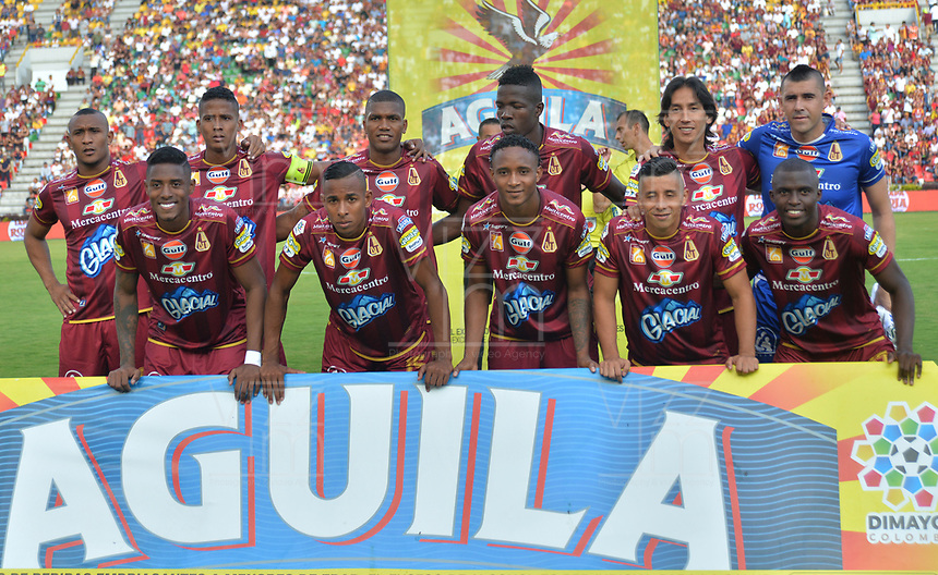 IBAGUÉ - COLOMBIA, 04-02-2018:Formación del Deportes Tolima  durante el partido entre el Deportes Tolima   y Atlético Nacional   por la fecha 1 de la Liga Águila II 2018 jugado en el estadio Manuel Murillo Toro en la  ciudad de Ibagué . / Team of Deportes Tolima during match between Deportes Tolima and Atletico Nacional  for the date 1 of the Aguila League II 2018 played at Manuel Murillo Toro  stadium . Photo: VizzorImage/ Juan Carlos Escobar  / Contribuidor