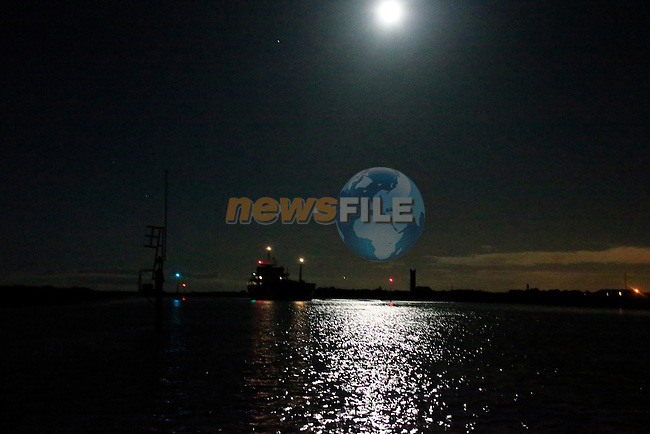 MV &quot;Brisote&quot; making it maiden voyage into the Flo Gas terminal in Drogheda Port.<br /> Picture: www.newsfile.ie