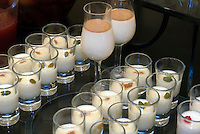 Dessert im Restaurant des Kempinski-Hotels im Ciragan-Palast in Istanbul , Stadttei Besiktas, Türkei