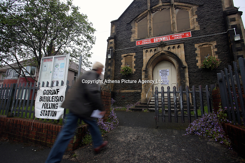 Pictured: A man enters the polling station in Brynmill Community Centre in Swansea, south Wales, UK. Thursday 08 June 2017<br />Re: General Elections 2017
