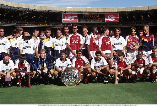 ARSENAL & TOTTENHAM HOTSPURS team shot with FA Charity Shield, Arsenal 0 v Tottenham Hotspurs 0, FA Charity Shield, 910. Photo: Chris Barry/Action Plus....1991.soccer.trophy.teamshot teamgroup group.scoreboard.football.association.league.english.club clubs.Celebrations .Joy.celebrate.celebrates.celebration.celebrating.shield shields.trophy trophies