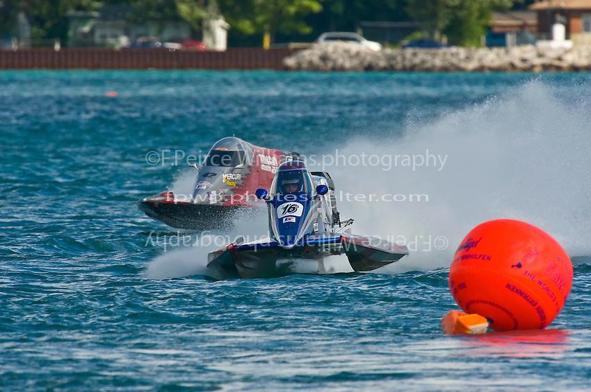 8-10 August 2008  Algonac, MI USA.Tim Seebold (16) and Shaun Torrente race for the lead..©F.Peirce Williams 2008