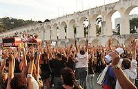 RIO DE JANEIRO, RJ, 03 SETEMBRO 2013 - GREVE PROFESSORES MUNICIPIO RJ -  Os professores do município do Rio Janeiro após a realização da sua  assembleia na Lapa centro do Rio decidiram pela continuação da greve, nessa terça 03. (FOTO: LEVY RIBEIRO / BRAZIL PHOTO PRESS)