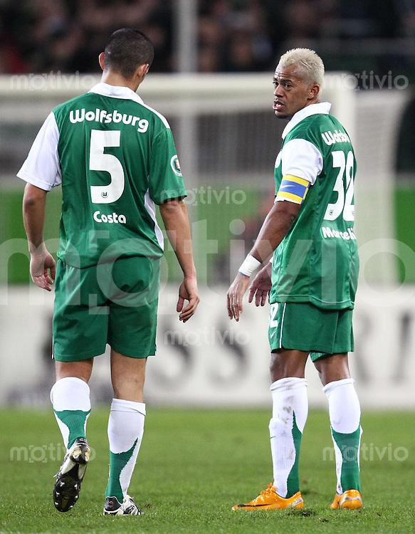 FUSSBALL     DFB Pokal     SAISON 2007/2008   Viertelfinale VfL Wolfsburg - Hamburger SV                            27.02.2008 Ricardo COSTA (li) und MARCELINHO (re, beide VfL Wolfsburg) enttaeuscht