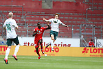 Moussa Niakhate (FSV Mainz 05) im Zweikampf mit Joshua Sargent (SV Werder Bremen), <br /> <br /> Sport: Fussball: 1. Bundesliga:: nphgm001:  Saison 19/20: 33. Spieltag: 1. FSV Mainz 05 vs SV Werder Bremen 20.06.2020<br /> <br /> <br /> Foto: Neis/Eibner/Pool/via gumzmedia/nordphoto<br /> <br /> DFB regulations prohibit any use of photographs as image sequences and/or quasi-video.<br /> Editorial Use ONLY<br /> National and International News Agencies OUT<br /> <br />  DFL REGULATIONS PROHIBIT ANY USE OF PHOTOGRAPHS AS IMAGE SEQUENCES AND OR QUASI VIDEO<br /> EDITORIAL USE ONLY<br /> NATIONAL AND INTERNATIONAL NEWS AGENCIES OUT