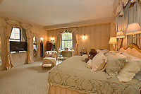 Master Bedroom at 860 Park Avenue