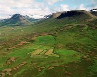 Stafshóll séð til austurs. Tungufjall t.v. Hofshreppur / Stafsholl viewing east. Mount Tungufjall in the centre of the valley left, Hofshreppur