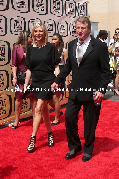 Tatum & Ryan O'Neal.arrives at the 2010 TV Land Awards.Sony Studios.Culver City, CA.April 17, 2010.©2010 Kathy Hutchins / Hutchins Photo...