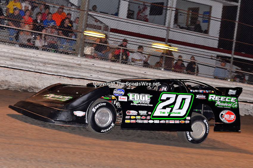 Feb 20, 2014; 6:56:53 PM;  Barberville, FL, USA;  World of Outlaws Late Model Series for 43rd Annual DIRTcar Nationals presented by Summit Racing Equipment at Volusia Speedway Park.  Mandatory Credit: (thesportswire.net)