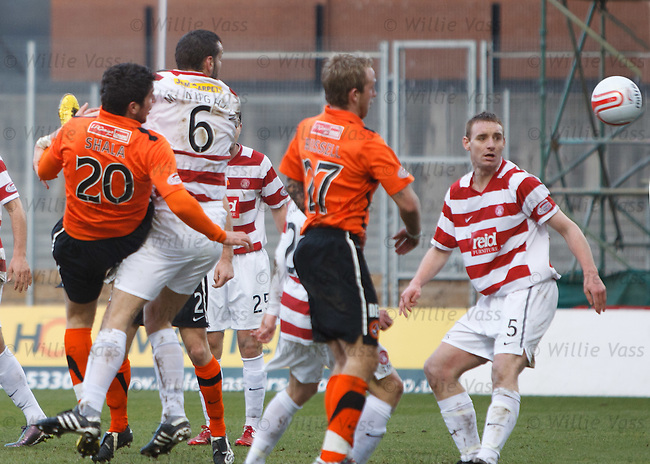 Andis Shala heads in to grab a late equaliser for Dundee Utd