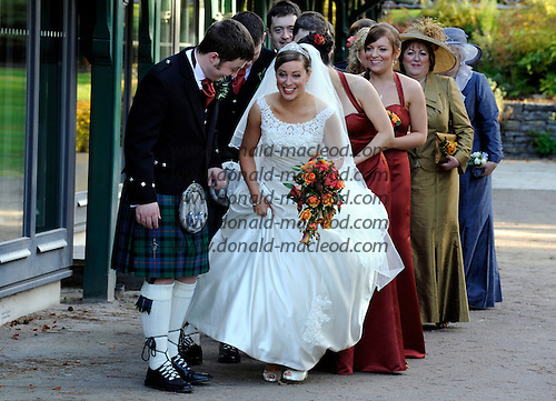 Jennifer Stephen and Ruaraidh Morrison - my nuptial niece gets her man ...