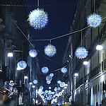 Luci d'artista a Torino. L'opera di Enrica Borghi in via Garibaldi. Dicembre 2006...Artist's lights in Turin. The work by Enrica Borghi. December 2006...Ph. Marco Saroldi. Pho-to.it