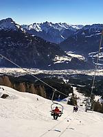 Wintersport bei Bergstation Alpjoch, Ski-Gebiet Hochimst bei Imst, Tirol, Österreich, Europa<br /> Wintersports at hillstation Alpjoch, skiing area Hochimst, Imst, Tyrol, Austria, Europe