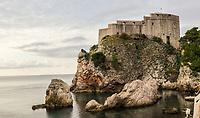 Fort am Hafen von Dubrovnik - 25.11.2017: Dubrovnik mit der Costa Deliziosa