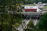 USA, Virginia, Waynesboro, highway and bridge at Shenandoah National Park