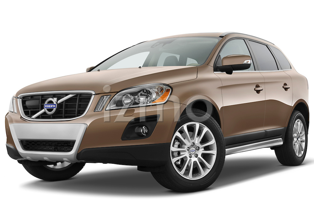 Low aggressive front three quarter view of a 2009 Volvo XC 60