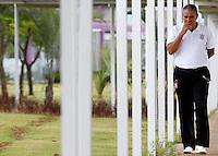 SÃO PAULO,SP,14 OUTUBRO 2011 - TREINO CORINTHIANS<br /> O tecnico Tite durante entrevista coletiva realizada no CT Joaquim Grava, no Parque Ecologico do Tiete, zona leste de Sao Paulo, na manhã desta sexta-feira 06. FOTO ALE VIANNA - NEWS FREE.