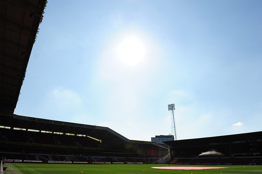 A general view of The City Ground, home of Nottingham Forest<br /> <br /> Photographer Chris Vaughan/CameraSport<br /> <br /> Football - The Football League Sky Bet Championship - Nottingham Forest v Middlesbrough - Saturday 19th September 2015 - City Ground - Nottingham<br /> <br /> &copy; CameraSport - 43 Linden Ave. Countesthorpe. Leicester. England. LE8 5PG - Tel: +44 (0) 116 277 4147 - admin@camerasport.com - www.camerasport.com