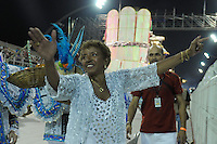 SAO PAULO, SP, 24 DE FEVEREIRO 2012 - DESFILE DAS CAMPEÃS DO CARNAVAL SP - NENÊ DE VILA MATILDE: Leci Brandão durante desfile da escola de samba Nenê de Vila Matilde no desfile das Campeãs do Carnaval 2012 de São Paulo, no Sambódromo do Anhembi, na zona norte da cidade, neste sábado.(FOTO: LEVI BIANCO - BRAZIL PHOTO PRESS).