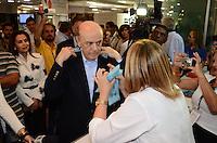 SAO PAULO, 16 DE AGOSTO DE 2012 - ELEICOES 2012 SERRA - Candidato Jose Serra (PSDB) durante visita ao 4 Encontro Internacional de Tecnologia e Inovacao para pessoas com Deficiencia, no centro de convencoes do Anhembi, na tarde desta quinta feira, regiao norte da capital. FOTO: ALEXANDRE MOREIRA - BRAZIL PHOTO PRESS