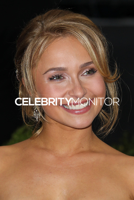"NEW YORK CITY, NY, USA - MAY 05: Hayden Panettiere at the ""Charles James: Beyond Fashion"" Costume Institute Gala held at the Metropolitan Museum of Art on May 5, 2014 in New York City, New York, United States. (Photo by Xavier Collin/Celebrity Monitor)"