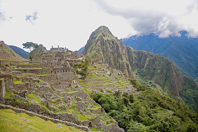 INKA RUINS OF MACHUA PICCHU LOOKING TOWARDS WAYNA PICCHU IN PERU