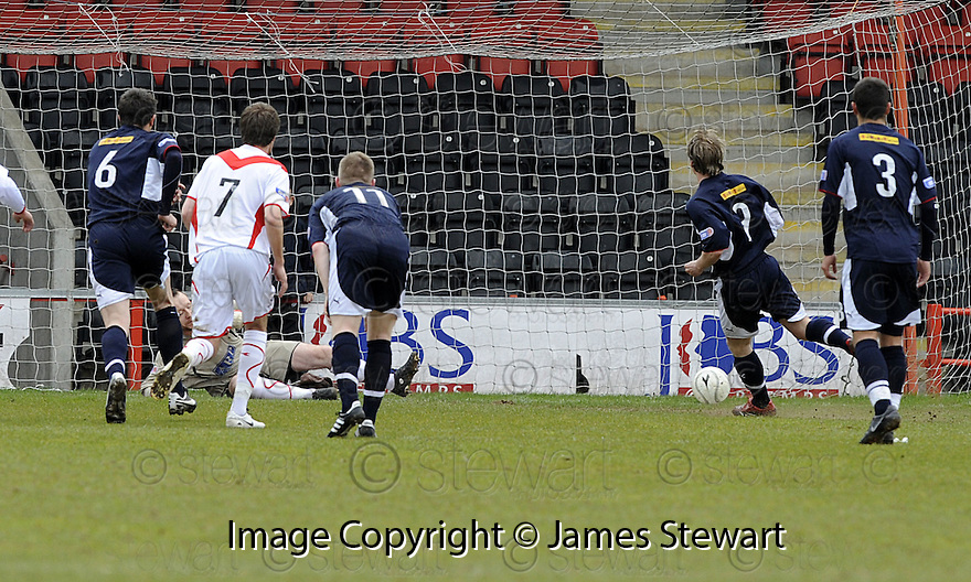 03/05/2008   Copyright Pic: James Stewart.File Name : sct_jspa04_airdrie_v_raith.GRAHAM WEIR SCORES RAITH'S FIRST FROM THE PENALTY SPOT.James Stewart Photo Agency 19 Carronlea Drive, Falkirk. FK2 8DN      Vat Reg No. 607 6932 25.Studio      : +44 (0)1324 611191 .Mobile      : +44 (0)7721 416997.E-mail  :  jim@jspa.co.uk.If you require further information then contact Jim Stewart on any of the numbers above........