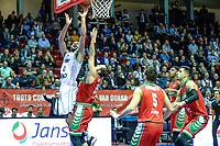 GRONINGEN - Basketbal,  Donar - Karsiyaka SK, Martiniplaza, Europe Cup, seizoen 2018-2019, 14-11-2018,  Donar speler Shane Hammink scoort
