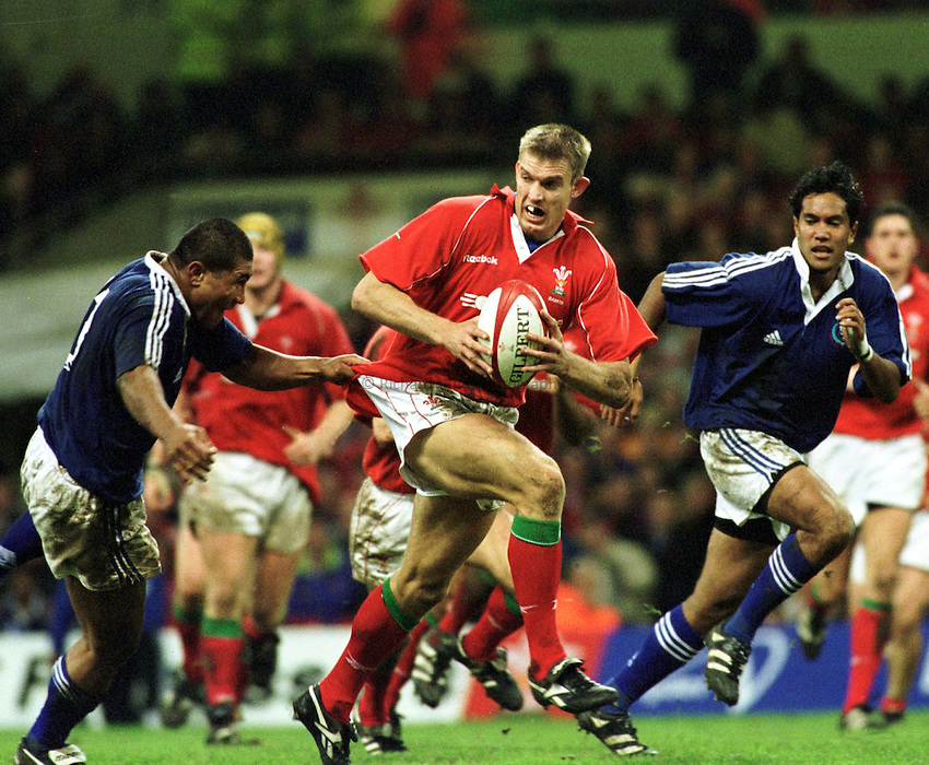 Photo : Garvin Davies.Wales v Samoa @ Millenium Stadium Cardiff,11-11-00 .Wales Wing Dafydd James