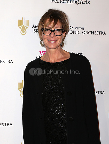 Beverly Hills, CA - November 10 Allison Janney Attending American Friends Of The Israel Philharmonic Orchestra Duet Gala At The Wallis Annenberg Center For The Performing Arts On November 10, 2015. Photo Credit: Faye Sadou / MediaPunch