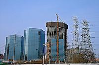 Construção de prédios na cidade de Pequim. China. 2007. Foto de Flávio Bacellar.