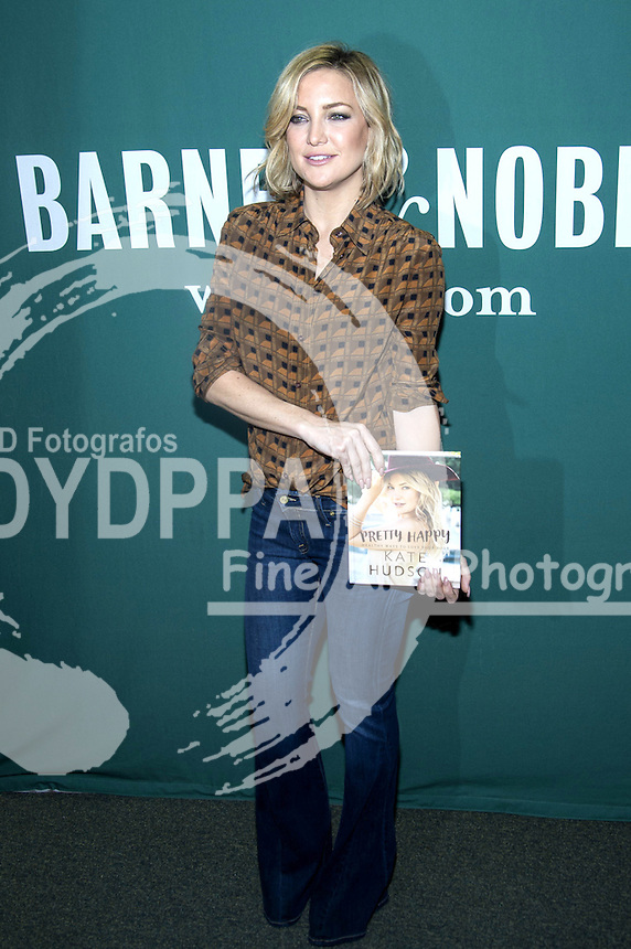 **ALL ROUND PICTURES FROM SOLARPIX.COM**<br /> **SOLARPIX RIGHTS - UK, AUSTRALIA, DENMARK, PORTUGAL, S. AFRICA, SPAIN &amp; DUBAI (U.A.E) &amp; ASIA (EXCLUDING JAPAN) ONLY**<br /> Kate Hudson - Pretty Happy - Book Signing at Barnes &amp; Noble in New York City on February 16, 2016<br /> This pic:   Kate Hudson<br /> **U.K ONLINE USAGE &pound;25 PER PIC**<br /> JOB REF: 19022  PHZ  DATE: 16.02.16<br /> **MUST CREDIT SOLARPIX.COM AS CONDITION OF PUBLICATION**<br /> **CALL US ON: +34 952 811 768**