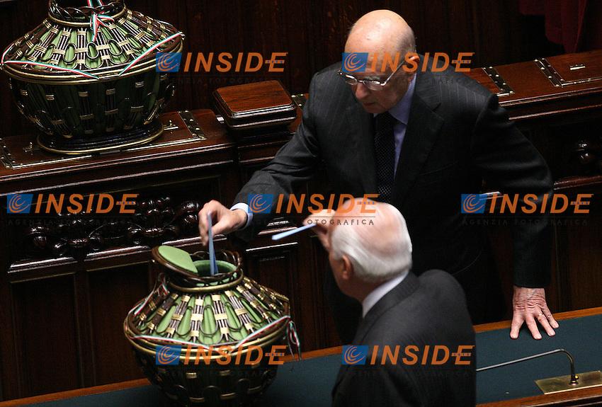 Roma, 09/05/06 Camera dei Deputati. All'ordine del giorno la terza votazione per l'elezione del Presidente della Repubblica. <br /> Nella foto il senatore Giorgio Napolitano durante il voto.<br /> Photo Samantha Zucchi Insidefoto