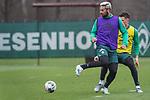 17.01.2020, Trainingsgelaende am wohninvest WESERSTADION,, Bremen, GER, 1.FBL, Werder Bremen Training ,<br /> <br /> <br />  im Bild<br /> <br /> Hackentrick Claudio Pizarro (Werder Bremen #14)<br /> Einzelaktion, Ganzkörper / Ganzkoerper<br /> <br /> Foto © nordphoto / Kokenge