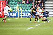 10th September 2017, Sixways Stadium, Worcester, England; Aviva Premiership Rugby, Worcester Warriors versus Wasps; Gaby Lovobalavu of Wasps offloads the ball to Willie Leroux of Wasps who scores in the corner