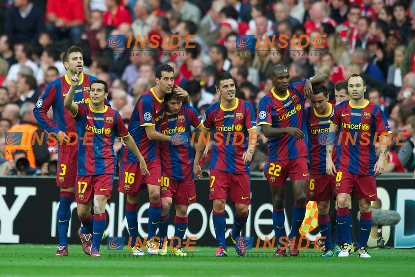 LONDON, ENGLAND, Saturday, May 28, 2011: FC Barcelona's Pedro Rodriguez celebrates scoring the first goal against Manchester United with team-mates Sergio Busquets, Lionel Messi, David Villa, Eric Abidal, Andres Iniesta during the UEFA Champions League Final at Wembley Stadium, EXPA Pictures © 2011, PhotoCredit: EXPA/ Propaganda/ Chris Brunskill *** ATTENTION *** UK OUT! <br /> Foto Insidefoto