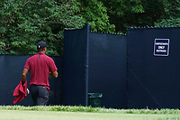 Tiger Woods (USA) heads to the rest room to change his sweaty shirt on the 9th hole during the final round of the 100th PGA Championship at Bellerive Country Club, St. Louis, Missouri, USA. 8/12/2018.<br /> Picture: Golffile.ie | Brian Spurlock<br /> <br /> All photo usage must carry mandatory copyright credit (&copy; Golffile | Brian Spurlock)