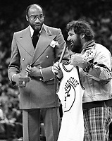 Golden State Warriors owner Franklin Mieuli with Nate Thurmond's retired jersey. (1978/photo/Ron Riesterer)