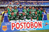 CALI -COLOMBIA-16-11-2013. Jugadores del Deportivo Cali posan para los fotógrafos previo al encuentro con el Deportivo Pasto por la fecha 1 de los cuadrangulares de la Liga Postobón II 2013 jugado en el estadio Pascual Guerrero de la ciudad de Cali./ Deportivo Cali players pose to the photographers prior a matcht with Deportivo Pasto for the 1th date of the quadrangulars of Postobon League II 2013 played at Pascual Guerrero stadium in  Cali city.Photo: VizzorImage/Juan C. Quintero/STR