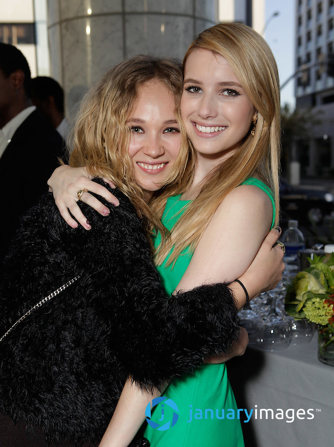 "BEVERLY HILLS, CA - JUNE 06:  Juno Temple and Emma Roberts attend a Fox Searchlight screening Of ""The Art Of Getting By"" at Clarity Theater on June 6, 2011 in Beverly Hills, California.  (Photo by Todd Williamson/WireImage)"