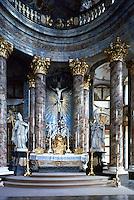 Wurzburg: Wurzburg Palace. Der Hochaltar der Hofkirche.