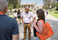 Rob Flot, Vice President for Student Affairs & Dean of Students.<br /> Individual faculty advising appointments in the Academic Quad for incoming first-years at the start of Occidental College's Fall Orientation for the class of 2021, Aug. 25, 2017.<br /> (Photo by Marc Campos, Occidental College Photographer)