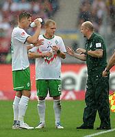 FUSSBALL   1. BUNDESLIGA  SAISON 2011/2012   6. Spieltag 1 FC Nuernberg - SV Werder Bremen         17.09.2011 Sebastian Proedl , Andreas Wolf , Trainer Thomas Schaaf (v. li., SV Werder Bremen)