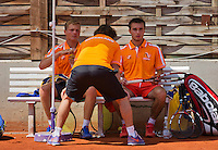 Austria, Kitzbühel, Juli 18, 2015, Tennis,  Junior Davis Cup, ltr: Bart Stevens coach Martijn Voorbaak and Guy den Heijer (NED) (R)<br /> Photo: Tennisimages/Henk Koster