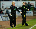 12/11/2006       Copyright Pic: James Stewart.File Name :sct_jspa11_st_mirren_v_celtic.GORDON STRACHAN SHOUTS HIS INSTRUCTIONS.James Stewart Photo Agency 19 Carronlea Drive, Falkirk. FK2 8DN      Vat Reg No. 607 6932 25.Office     : +44 (0)1324 570906     .Mobile   : +44 (0)7721 416997.Fax         : +44 (0)1324 570906.E-mail  :  jim@jspa.co.uk.If you require further information then contact Jim Stewart on any of the numbers above.........